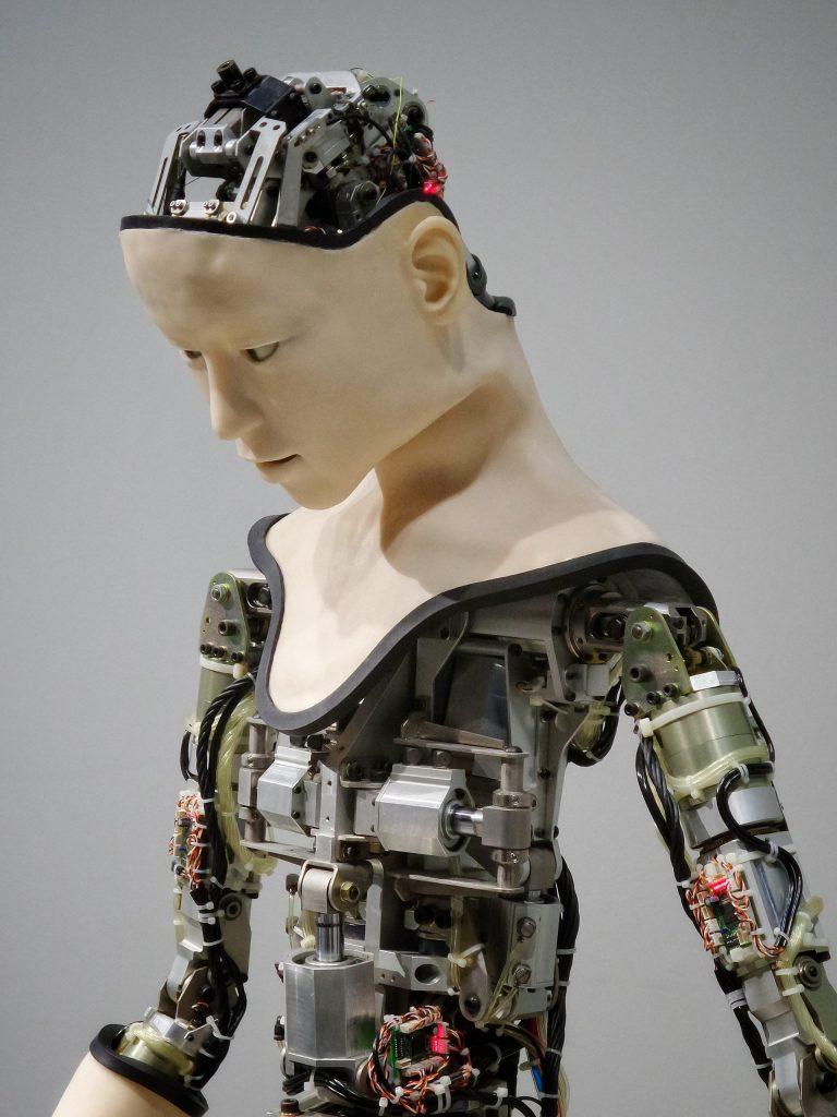 Visuelle Untermalung des Abschnitts über Roboter und KI in der Medizin.