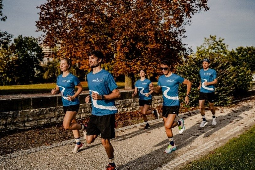Leute Joggen im DonauRun Shirt